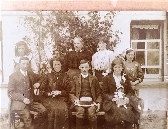 Photo: Illustrative image for the 'Lovely old photo of Ballinrobe Residents' page