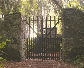 Photo:Entrance to family vault of the Moore Family